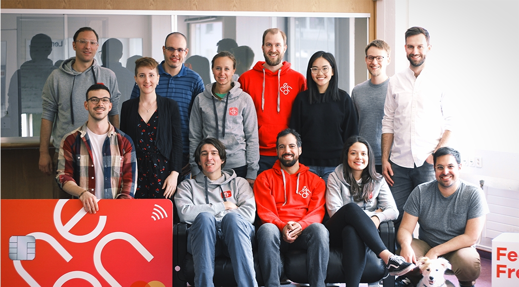 Neon bank - team - early metrics blog photo